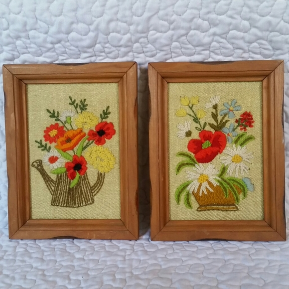 """Vintage Pair 8.5x6"""" Wood Framed Embroidery Floral"""